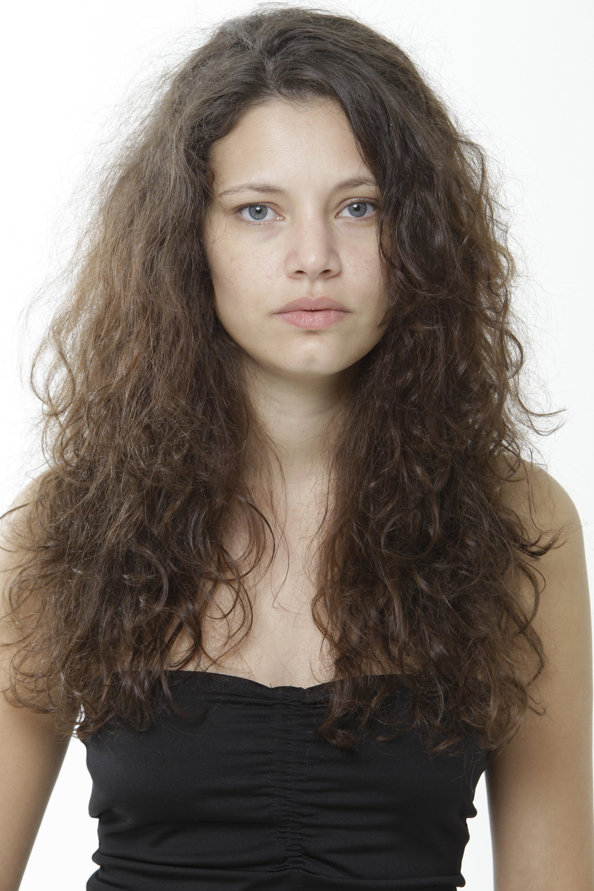 QOD Frizzy Hair Model